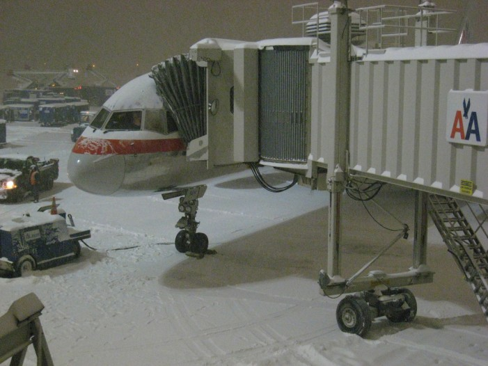 Snowstorm Causes Cancellation of 6,500 Flights