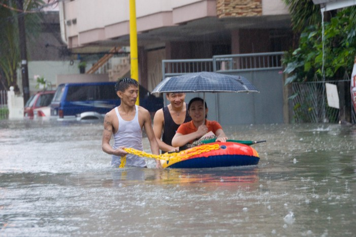 Hollande Addresses Climate Change in Philippines