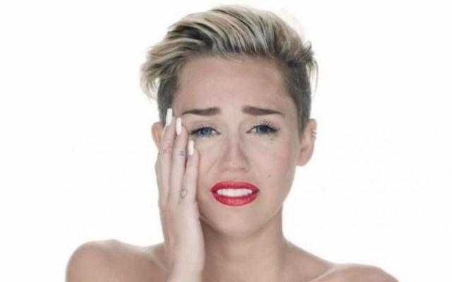 Miley Cyrus Posts Knife Emojis Following Boyfriend's Spring Break Fling