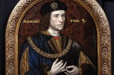 Benedict Cumberbatch Attends Richard III Reburial [Video]