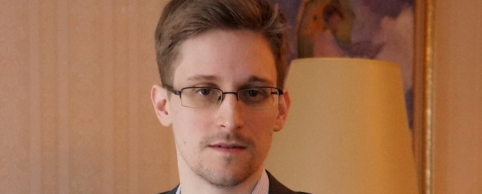 Snowden, National Fugitive, Wants to Return to United States