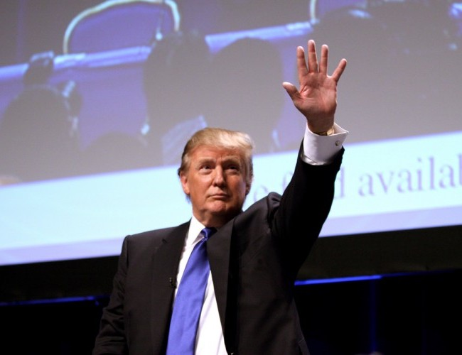 Trump considers 2016 presidential bid