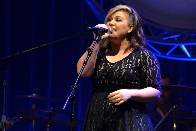 Backlash to Body Shaming Kelly Clarkson, Others