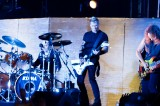 Metallica's James Hetfield Hits a High Note With His Acoustic-4-a-Cure