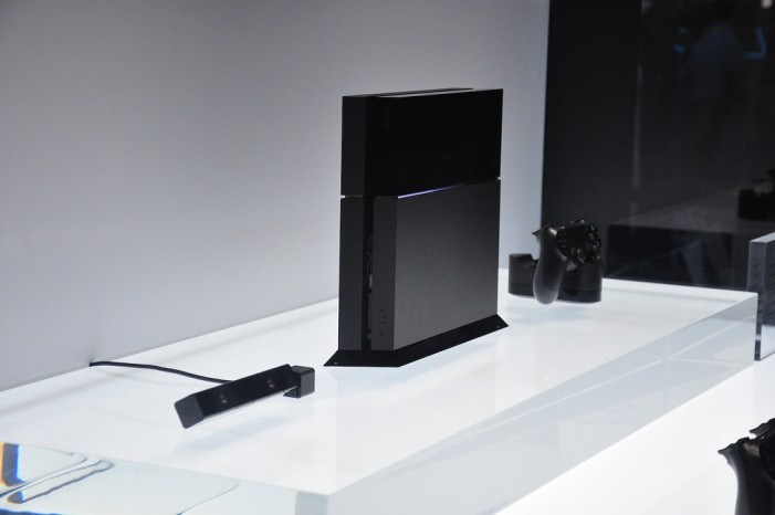 Playstation 4 Outsold by Xbox One in April: Sony Planning Major Updates