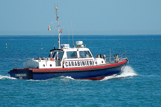 Italy: Coastguard Comes to the Rescue of Migrants