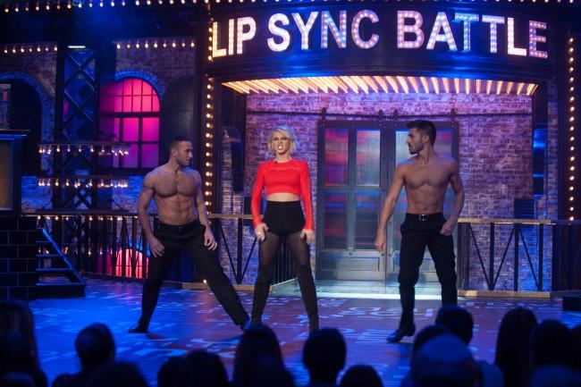 'Lip Sync Battle': Derek Hough vs Jullianne Hough [Recap ...