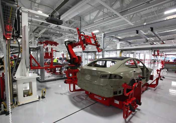 Tesla Positions Itself to Sell to Mass Consumers in U.S. And China