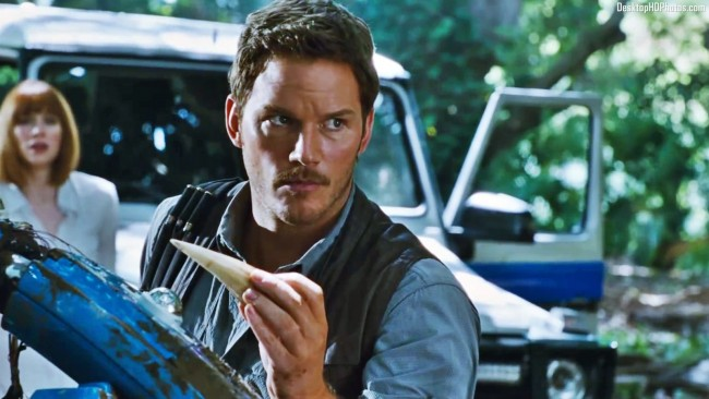 'Jurassic World' Tops Box Office Third Weekend Straight