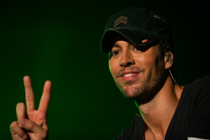 Enrique Iglesias Seriously Injured in Concert Drone Accident [Graphic Video]