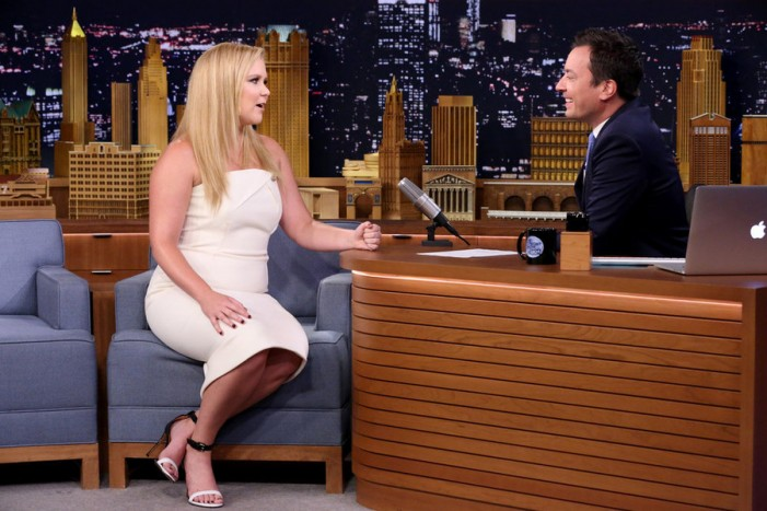 'Tonight Show': Jimmy Fallon Gives Amy Schumer an 'Emotional Interview'