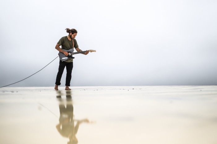 Elessar Thiessen 'A Rainy Week In Paradise' Independent Music Review