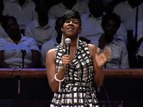 Pastor Le'Andria Johnson Slammed for Cursing and Drinking on Periscope