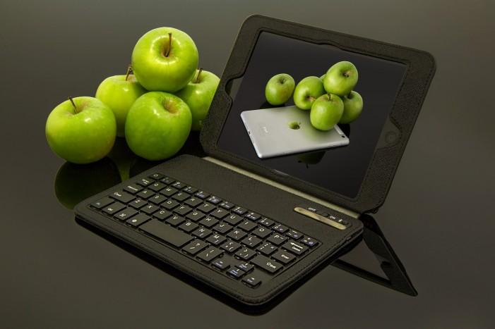 Apple Inc. Announces New iPad Pro [Video]