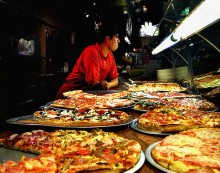 Men Eat More Food When Dining with Women