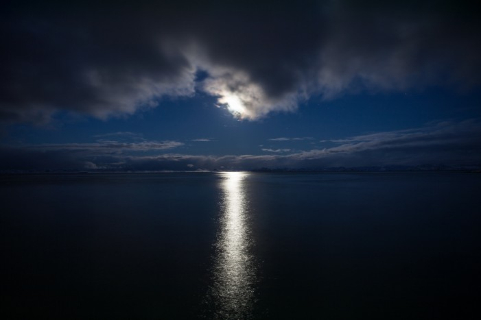 Christmas Day to Bring Reflection and Enlightenment With the Full Moon
