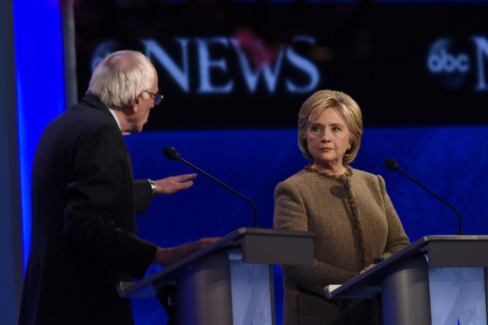 Dead Heat at Iowa Caucus Between Hillary Clinton and Bernie Sanders