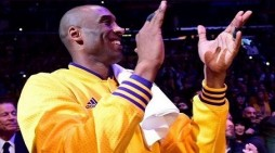 Kobe Bryant Ends a Season of Frustration on a High Note