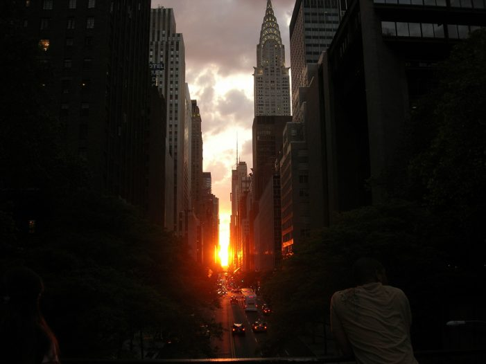 Manhattanhenge Lights the Streets of New York