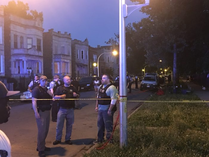 While Out With His Kids 26-Year-Old Man Dies During Shooting in Chicago