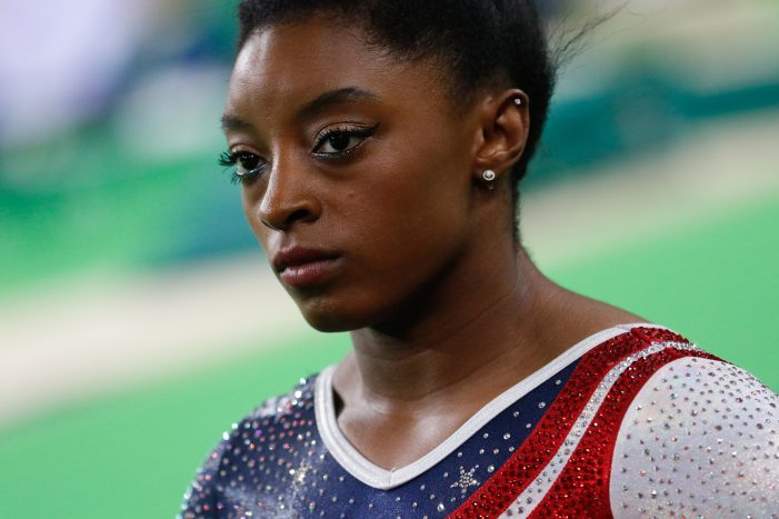 Simone Biles Should Not Be Compared to Nadia Comaneci
