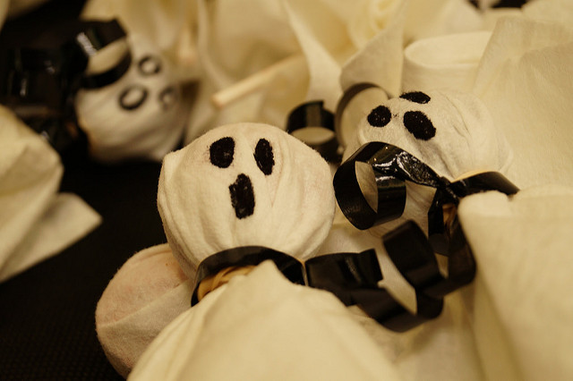 7 Halloween Treats That Trick Children Into Cleaning