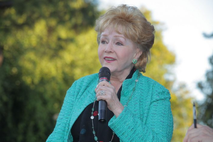 Debbie Reynolds Dies of Heart Failure