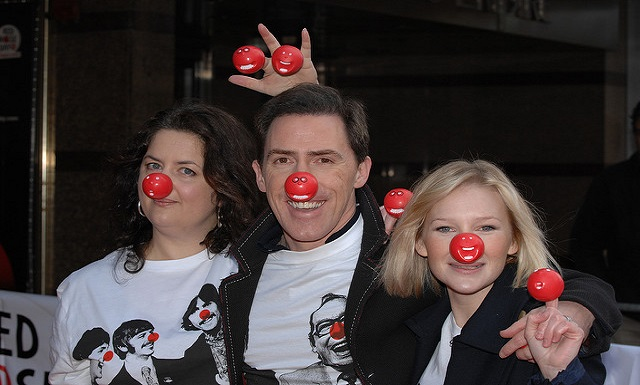 Red Nose Day Is in Full Swing Across the United States [Video]