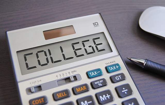 5 Financial Pitfalls of College Freshman