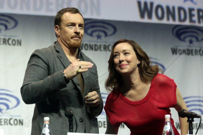 "Netflix 'Lost in Space' 2018 Reboots ""Danger Will Robinson"" [Video] [Spoiler Alert]"
