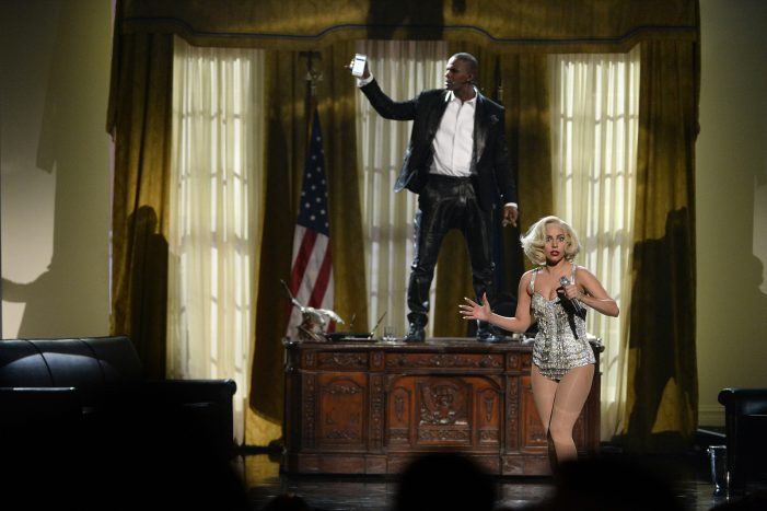 Lady Gaga Apologizes for Working With R. Kelly and Initiates Removal of Itunes Song