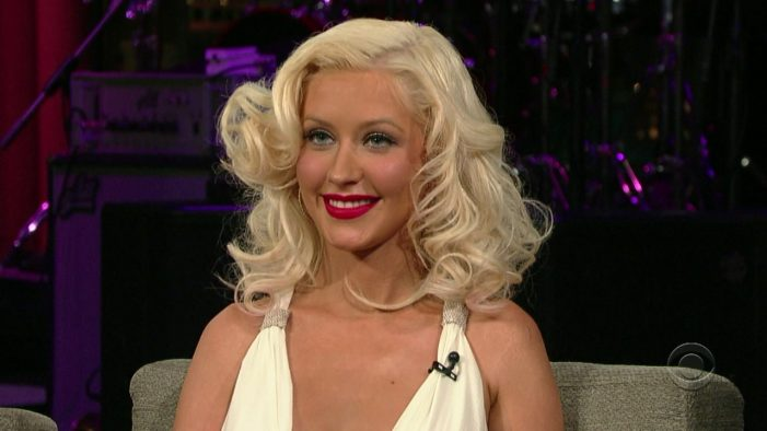 Christina Aguilera to Receive Equality Award From the HRC [Video]