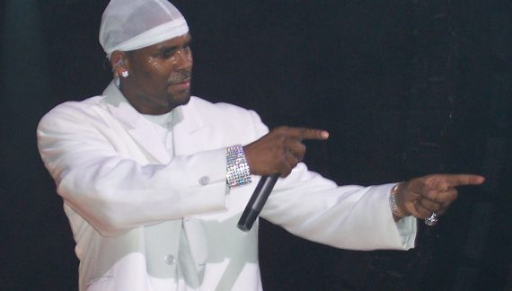 R. Kelly Bailed Out of Jail by Daycare Owner