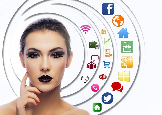 Facebook, Messenger, Instagram
