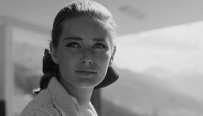 Bond Fans Mourn Death of 'Goldfinger' Bond Girl Tania Mallet at Age 77