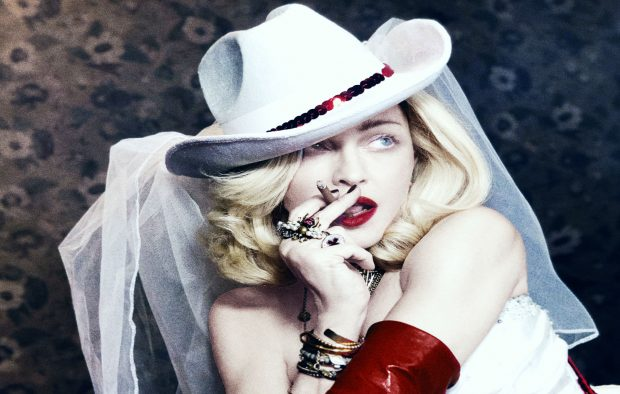 Madonna Performing at the Kelly Clarkson Hosted Billboard Awards [Video]