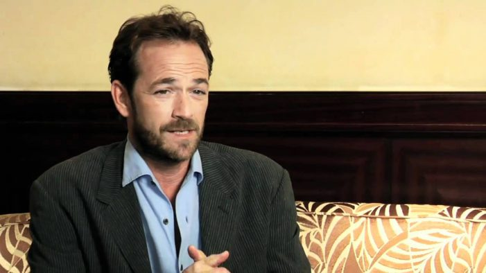 Luke Perry Buried in a Eco-Friendly 'Mushroom Suit' in Tennessee