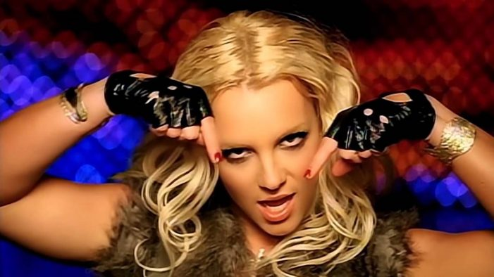 Britney Spears Checks Herself Into a Mental Institution for Treatment