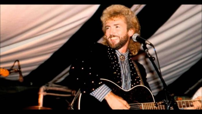 Earl Thomas Conley 'Loving You,' Dies. Blake Shelton Is Devastated [Video]