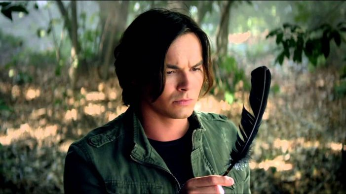 Tyler Blackburn 'Pretty Little Liars' Star Is Out, Proud, and Bisexual