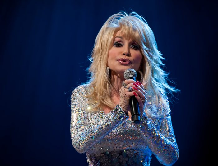 Dolly Parton Celebrates 50 Years of Being a Member of the Grand Ole Opry