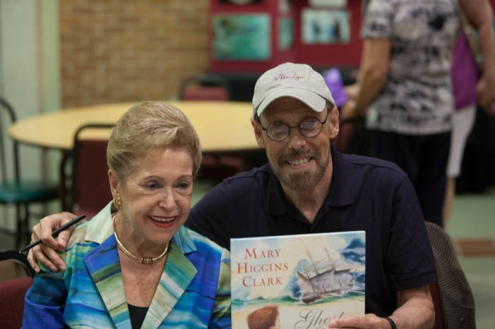 Mary Higgins Clark Dies at 92